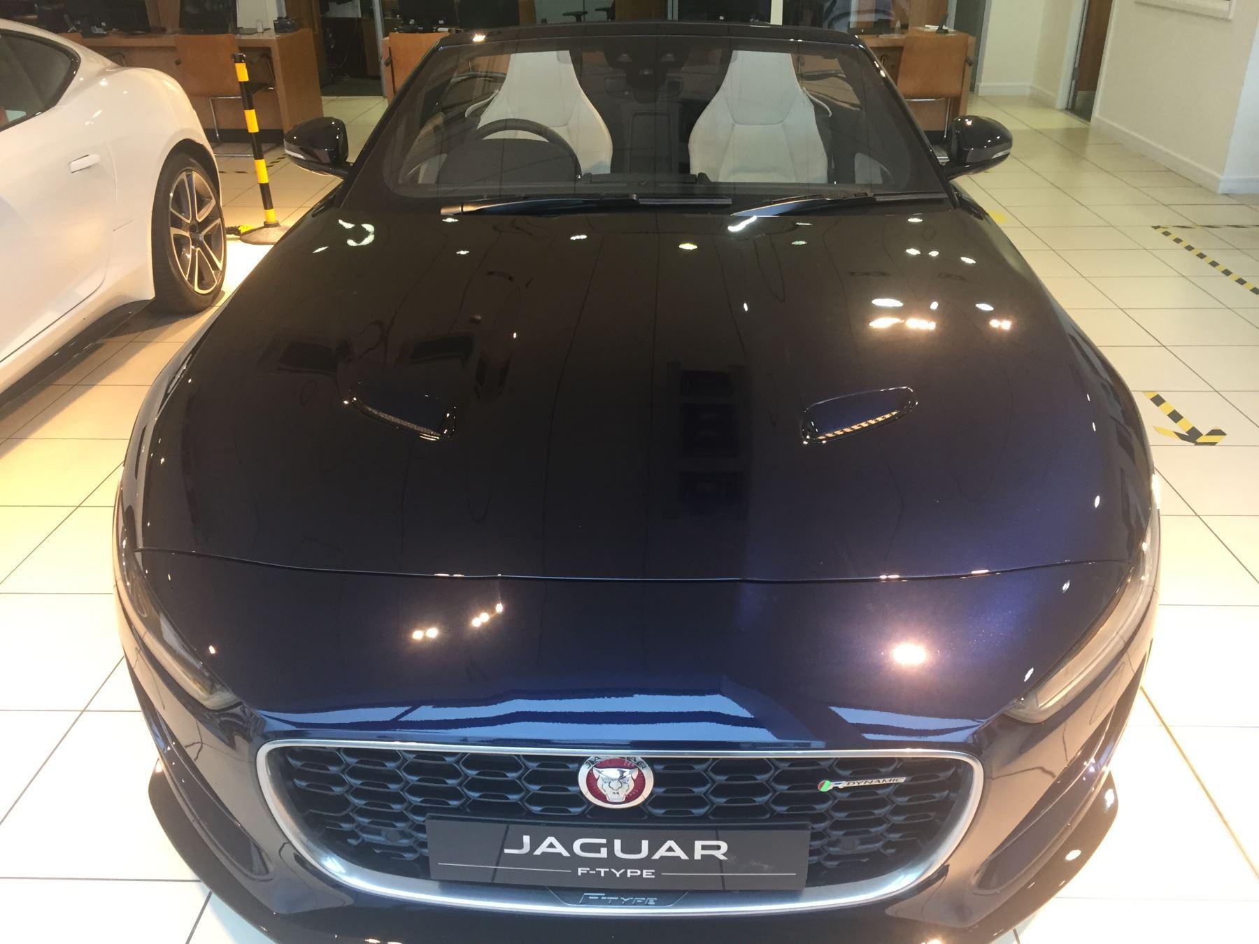 Jaguar F-TYPE 2.0 P300 R-Dynamic image 16